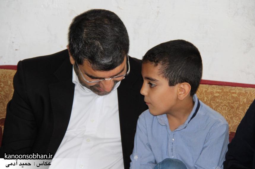تصاویر دیدار استاندار لرستان و دیگر مسئولین با خانواده شهید مدافع حرم در کوهدشت (5)