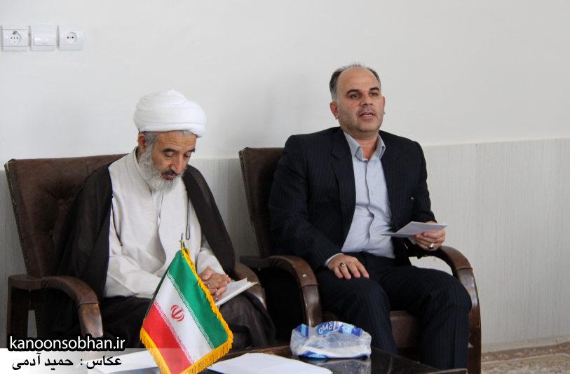 تصاویر دیدار کارکنان دستگاه قضا کوهدشت با امام جمعه شهرستان (1)