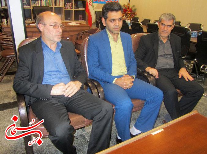 مجید شیراوند اولین مدیر اداره مخابرات شهرستان رومشکان (2)