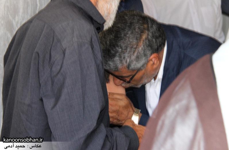 تصاویر دیدار امام جمعه ، فرماندار و مسئولین از خانواده شهید مدافع حرم کوهدشتی (11)