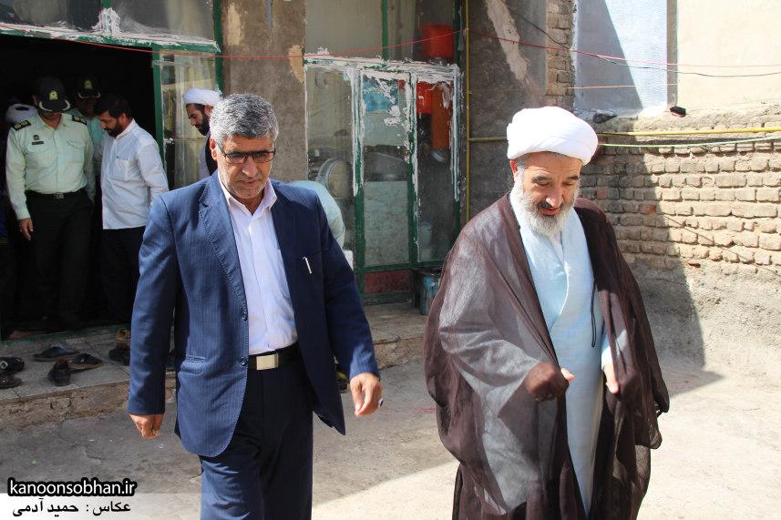 تصاویر دیدار امام جمعه ، فرماندار و مسئولین از خانواده شهید مدافع حرم کوهدشتی (12)