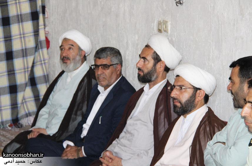 تصاویر دیدار امام جمعه ، فرماندار و مسئولین از خانواده شهید مدافع حرم کوهدشتی (3)