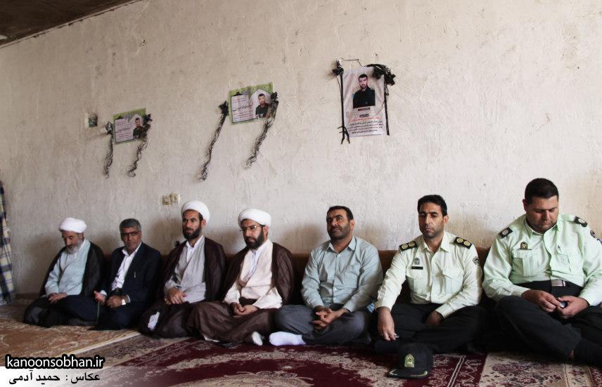 تصاویر دیدار امام جمعه ، فرماندار و مسئولین از خانواده شهید مدافع حرم کوهدشتی (4)