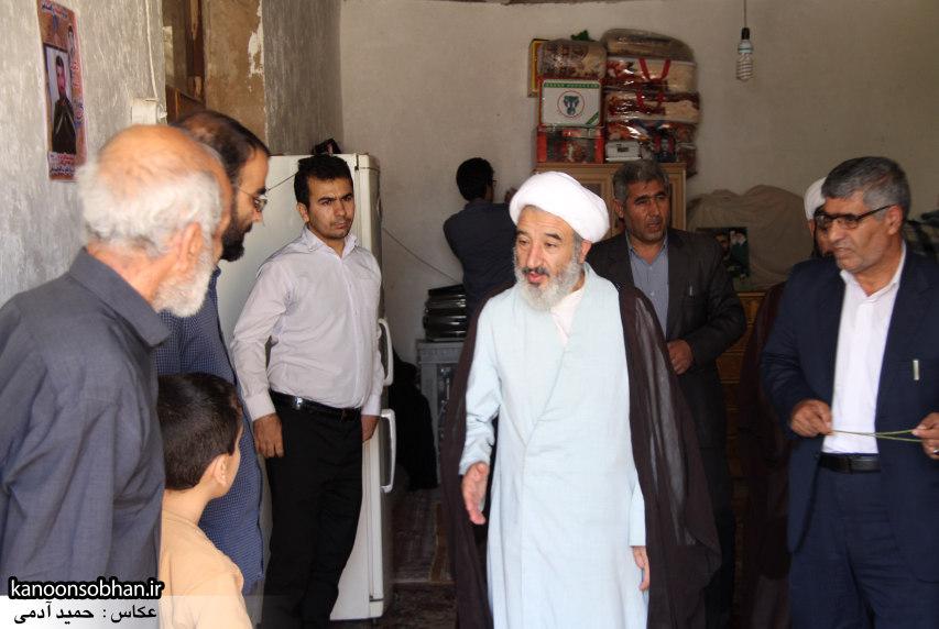 تصاویر دیدار امام جمعه ، فرماندار و مسئولین از خانواده شهید مدافع حرم کوهدشتی (9)