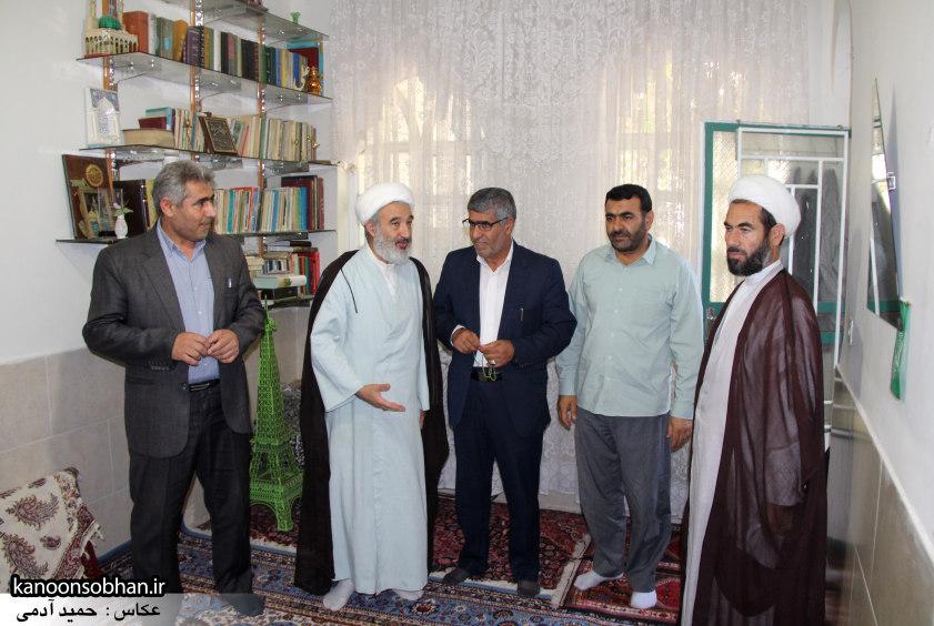 تصاویر دیدار امام جمعه ، فرماندار  و مسئولین کوهدشتی از خانواده شهید هادیان (11)
