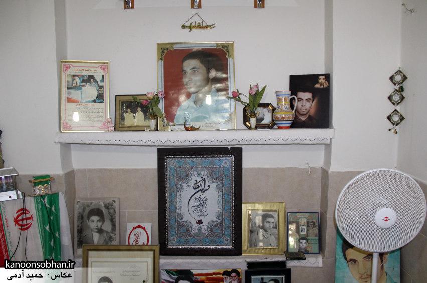 تصاویر دیدار امام جمعه ، فرماندار  و مسئولین کوهدشتی از خانواده شهید هادیان (2)