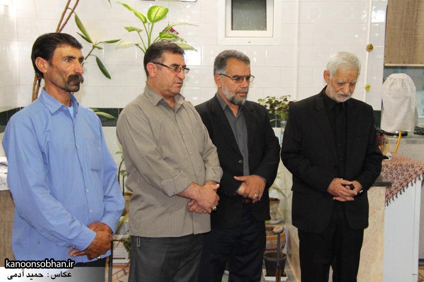 تصاویر دیدار امام جمعه ، فرماندار  و مسئولین کوهدشتی از خانواده شهید هادیان (3)