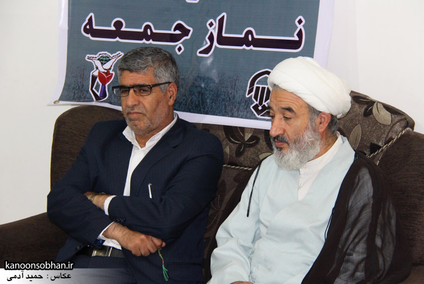 تصاویر دیدار امام جمعه ، فرماندار  و مسئولین کوهدشتی از خانواده شهید هادیان (6)