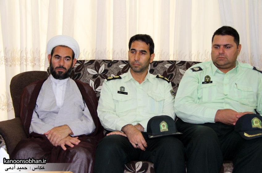 تصاویر دیدار امام جمعه ، فرماندار  و مسئولین کوهدشتی از خانواده شهید هادیان (7)