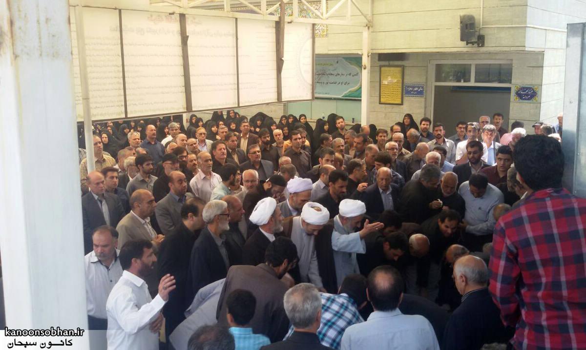 تصاویر مراسم تشییع  و ختم حاج محمد علی هادیان در همدان و کوهدشت (4)