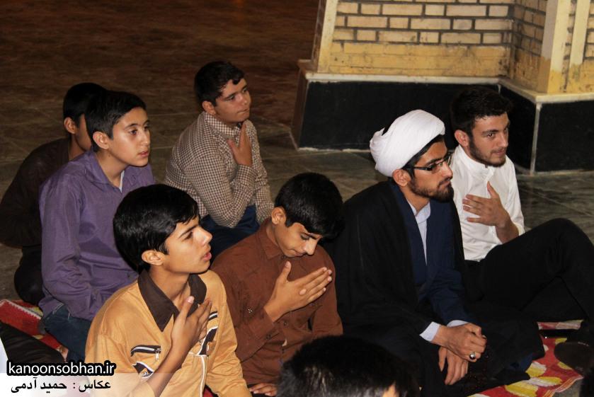 تصاویر مراسم هفتگی هیئت انصار الحسین(ع) در جوار شهدای گمانم کوهدشت (16)