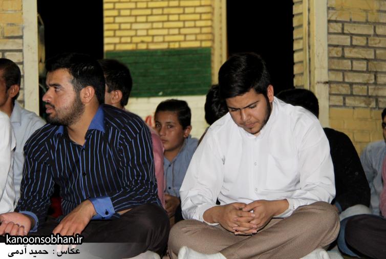 تصاویر مراسم هفتگی هیئت انصار الحسین(ع) در جوار شهدای گمانم کوهدشت (7)