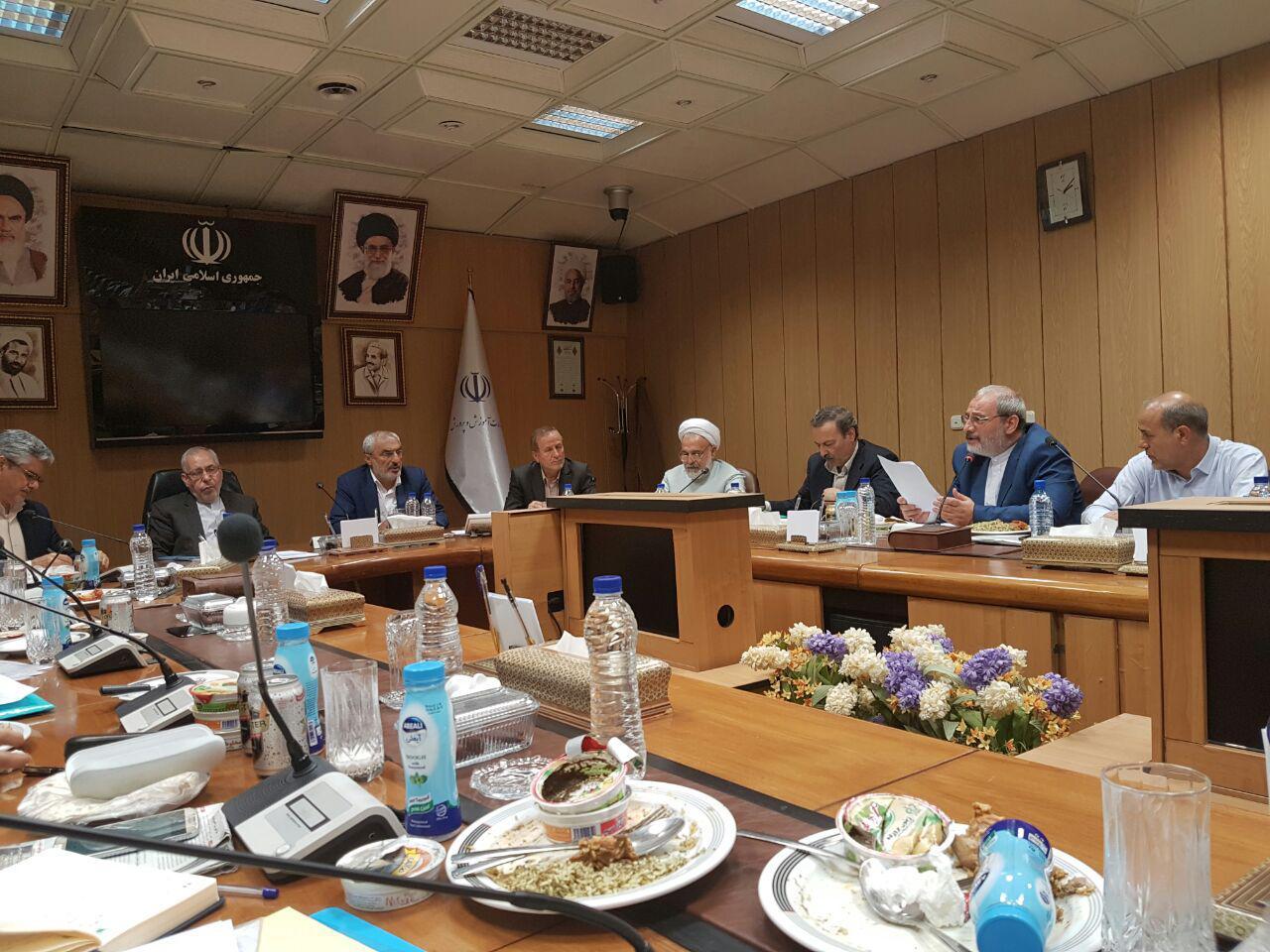 جلسه کمیسیون آموزش و تحقیقات مجلس با دکتر فانی وزیر آموزش و پرورش (2)