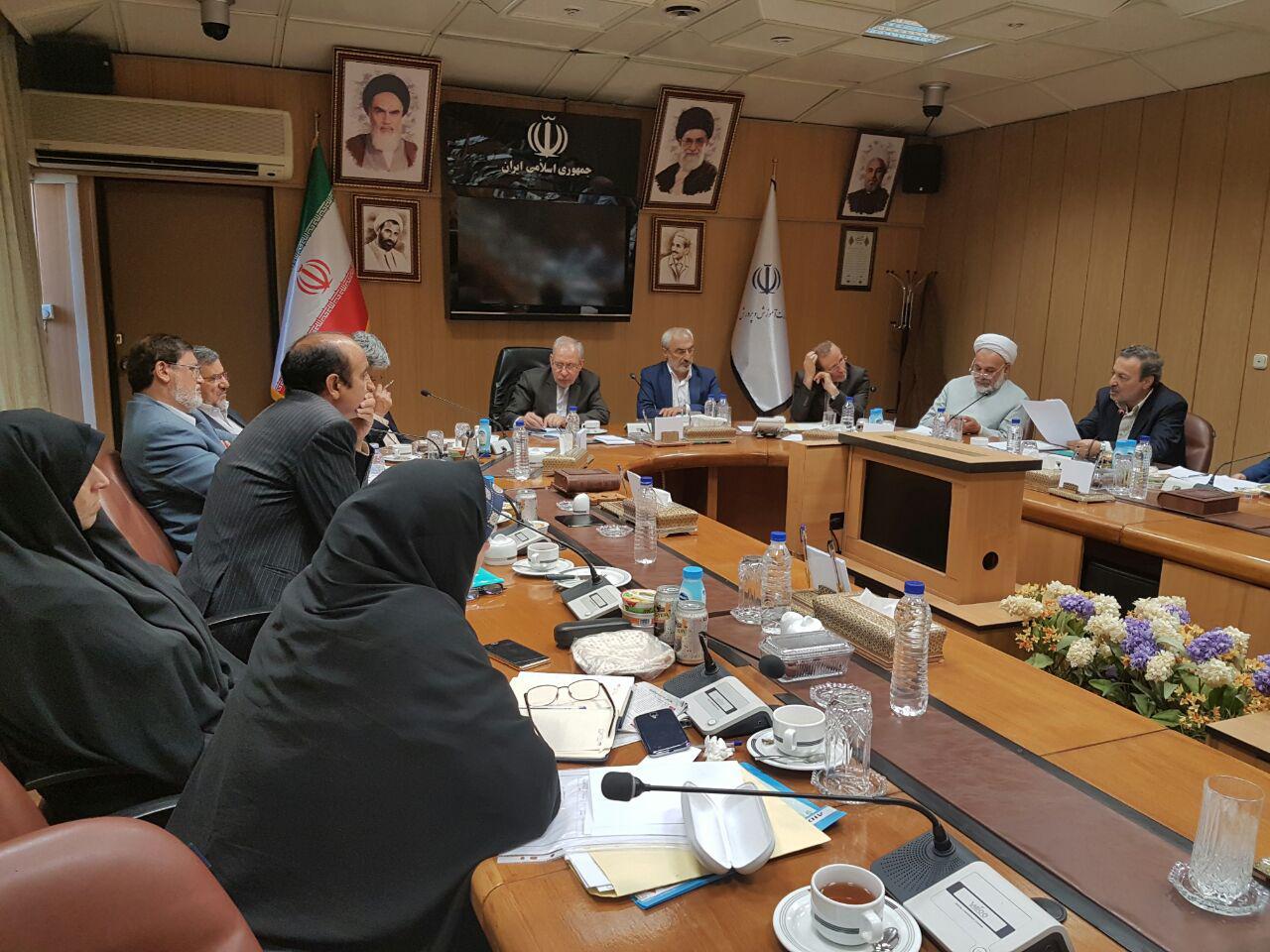 جلسه کمیسیون آموزش و تحقیقات مجلس با دکتر فانی وزیر آموزش و پرورش (4)