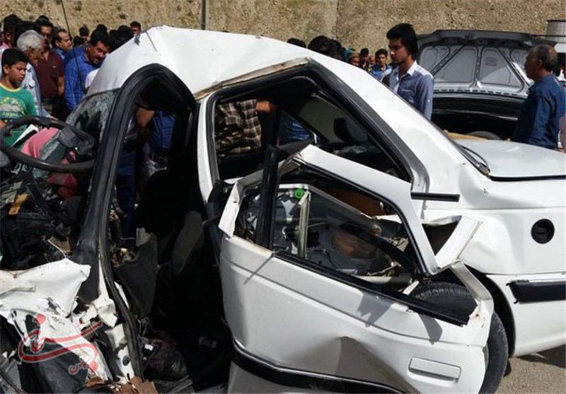تصادف دو دستگاه سواری در محور زانوگه کوهدشت - اسلامآباد ۵ کشته برجای گذاشت .