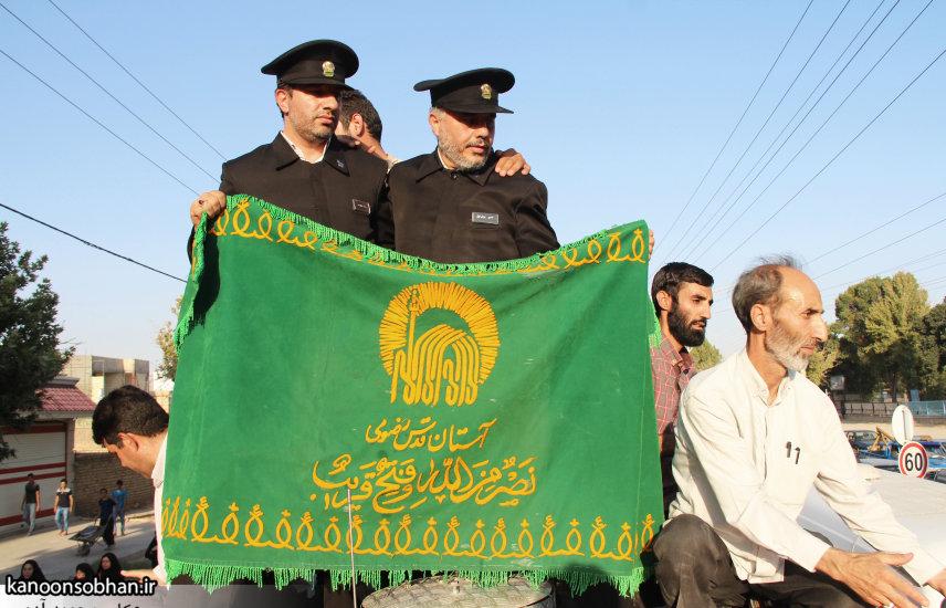تصاویر استقبال از کاروان خدام و پرچم حرم امام رضا(ع) در کوهدشت (14)