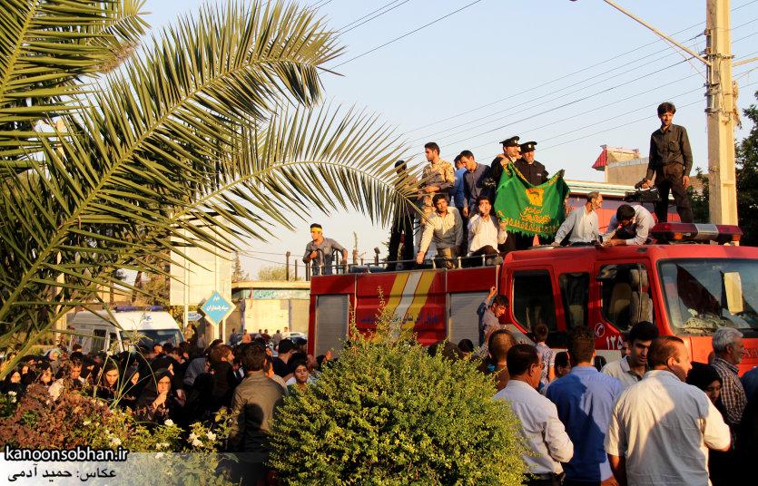 تصاویر استقبال از کاروان خدام و پرچم حرم امام رضا(ع) در کوهدشت (26)