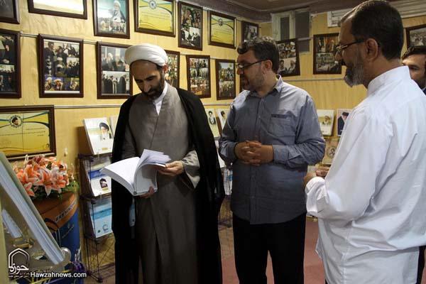 تصاویر بازدید آیت الله احمد مبلغی از سامانه خبری حوزه (1)