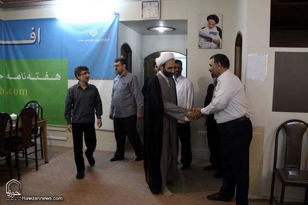 تصاویر بازدید آیت الله احمد مبلغی از سامانه خبری حوزه (12)