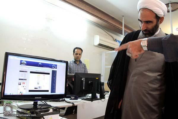 تصاویر بازدید آیت الله احمد مبلغی از سامانه خبری حوزه (13)