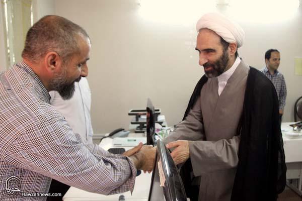 تصاویر بازدید آیت الله احمد مبلغی از سامانه خبری حوزه (14)