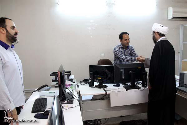 تصاویر بازدید آیت الله احمد مبلغی از سامانه خبری حوزه (15)