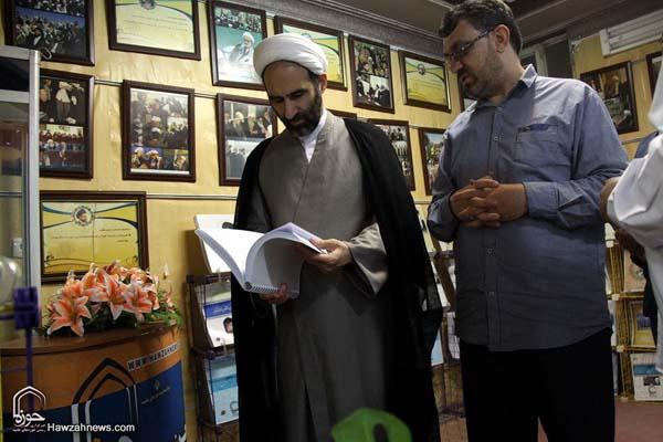 تصاویر بازدید آیت الله احمد مبلغی از سامانه خبری حوزه (3)