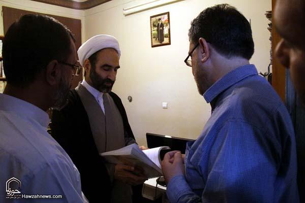 تصاویر بازدید آیت الله احمد مبلغی از سامانه خبری حوزه (7)