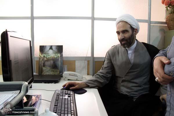 تصاویر بازدید آیت الله احمد مبلغی از سامانه خبری حوزه (8)
