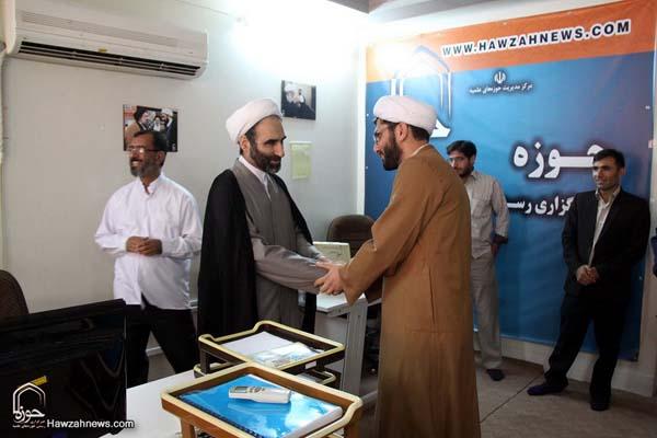 تصاویر بازدید آیت الله احمد مبلغی از سامانه خبری حوزه (9)