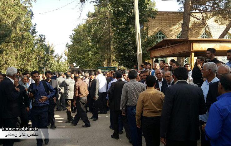 تصاویر مراسم خاکسپاری والده محترمه حاج علی اصغر اسفندیاری در کوهدشت (1)