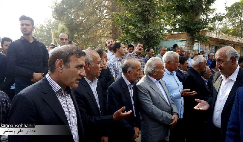 تصاویر مراسم خاکسپاری والده محترمه حاج علی اصغر اسفندیاری در کوهدشت (10)