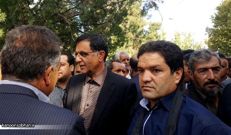تصاویر مراسم خاکسپاری والده محترمه حاج علی اصغر اسفندیاری در کوهدشت (11)