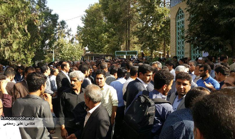 تصاویر مراسم خاکسپاری والده محترمه حاج علی اصغر اسفندیاری در کوهدشت (13)