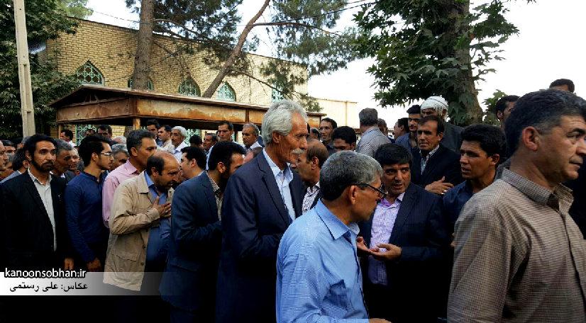 تصاویر مراسم خاکسپاری والده محترمه حاج علی اصغر اسفندیاری در کوهدشت (6)