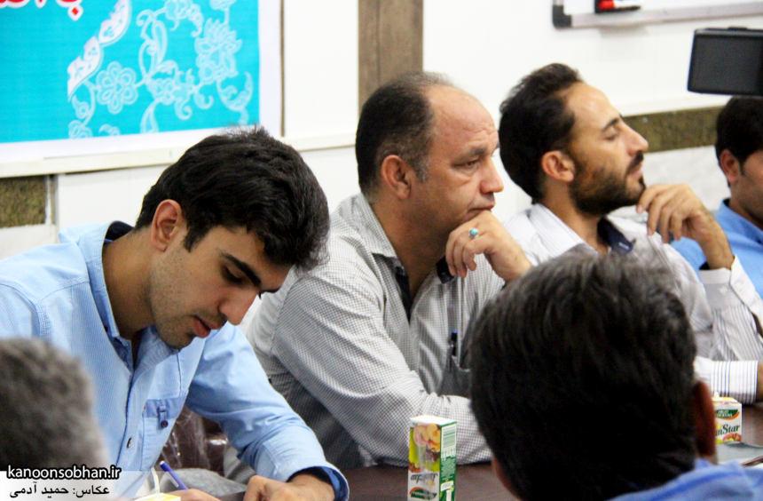 تصاویر نشست خبری شهردار کوهدشت با اصحاب رسانه (3)